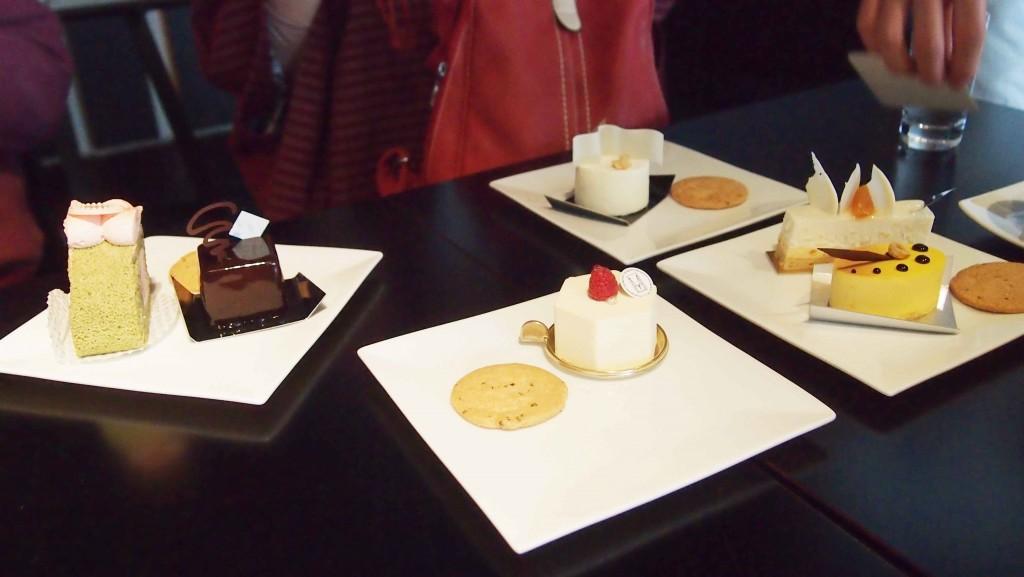 左上から、「ひなまつりのロールケーキ」と「ミュゼ」。「ヴォーグ」。「セラヴィ」(左下)、「エーグル」(右下)